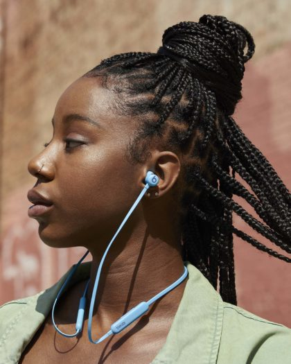 Beats Introduces New 'Beats Flex' Colours